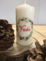Premium Kerze mit Kranz und Überschrift Frieden