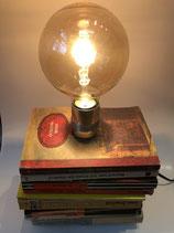 Bücherlampe - Turm Klein
