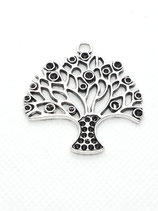 Anhänger großer Baum