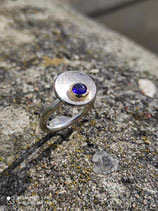 Ring Schale mit synth. Saphircabochon