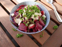 Rote-Bee-Pfirsich-Salat
