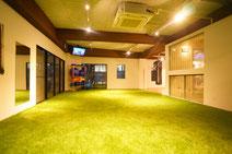 大阪で開放的なエリアのあるレンタルジム