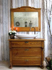 Gründerzeit-Waschkommode mit Spiegel
