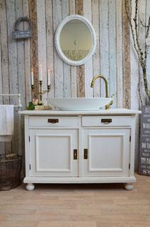 Waschtisch Massivholz in weiß