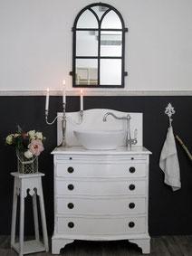 Eleganter Waschtisch im Art Déco Design