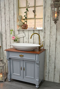 Waschtisch Landhausstil fürs Badezimmer