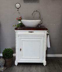 Weißer Jugendstil-Waschtisch mit dunkler Holzplatte