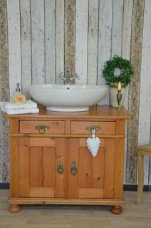 Landhaus-Waschtisch antik