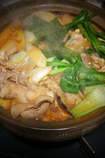 豚肉にアサリも入ってスープで温まる一品です