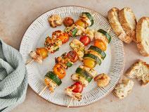 Gegrillte Garnelenspieße, Garnelen, Garnelen grillen, Meeresfrüchte, Meeresfrüchte grillen, Grillspieße, Grillrezept, Grillrezepte, gesunde Grillrezepte, gesund grillen, gesund kochen, gesunde Ernährung, gesunde Rezepte, gesundes Essen, gesund essen