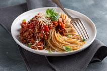 Geprüfte IN FORM-Rezepte, IN FORM, DGE, vegetarisch, vegetarisch kochen, vegetarisch essen, vegetarisches Essen, vegetarisches Rezept, vegetarische Küche, gesunde Ernährung, Ernährung, Gesundheit, Pasta, Lupinen-Bolognese, vegetarische Bolognese, Nudeln