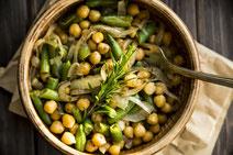 Geprüfte IN FORM-Rezepte, IN FORM, DGE, vegan, veganes Rezept, vegan kochen, vegane Ernährung, vegan essen, gesunde Ernährung, Ernährung, Gesundheit, veganer Gemüseeintopf, veganer Eintopf, Kichererbsen, grüne Bohnen, Gemüse, Eintopf-Rezept, vegan kochen