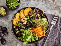 Geprüfte IN FORM-Rezepte, IN FORM, gesunde Rezepte, gesunde Ernährung, gesundes Essen, gesund essen, gesund abnehmen, abnehmen, gesund kochen, DGE, Deutsche Gesellschaft für Ernährung, Rezept, Kochrezept, kochen, Buddha Bowl, vegetarische Bowl
