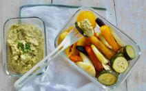 Frühlingsgemüse mit Kräuter-Hummus, Gemüse, Kräuter, Hummus, veganes Essen, veganes Mittagessen, veganes Rezept, Hummus-Rezept, gesundes Essen