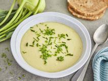 Kohlrabi-Cremesuppe, Kohlrabisuppe, Kohlrabi, Suppe, Gemüsesuppe, Suppenrezept, vegetarisch, vegetarische Suppe, vegetarisches Suppenrezept, vegetarische Rezepte, vegetarische Ernährung, vegetarisch kochen, vegetarische Vorspeise, vegetarisches Essen