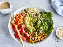 Geprüfte IN FORM-Rezepte, IN FORM, gesunde Rezepte, gesunde Ernährung, gesundes Essen, gesund essen, gesund abnehmen, abnehmen, gesund kochen, DGE, Deutsche Gesellschaft für Ernährung, Rezept, Kochrezept, kochen, Quinoa, Bowl, Avocado, Bowl-Rezept