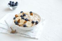 Geprüfte IN FORM-Rezepte, IN FORM, Blitzrezept, schnelles Rezept, einfaches Rezept, schnelle Zubereitung, schnell kochen, gesunde Ernährung, gesundes Essen, gesund essen, gesundes Rezept, Haferflocken, Milch, Obst, Frühstück, gesundes Frühstück