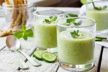 Geprüfte IN FORM-Rezepte, IN FORM, DGE, vegetarisch, vegetarisch kochen, vegetarisch essen, vegetarisches Essen, vegetarisches Rezept, vegetarische Küche, gesunde Ernährung, Ernährung, Gesundheit, Kalte Gurkensuppe, Gurkensuppe, Suppe, Gurke, Suppenrezept