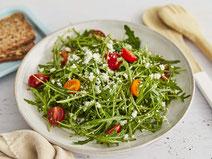 Geprüfte IN FORM-Rezepte, IN FORM, DGE, vegetarisch, vegetarisch kochen, vegetarisch essen, vegetarisches Essen, vegetarisches Rezept, vegetarische Küche, gesunde Ernährung, Ernährung, Gesundheit, Rucola-Salat, Rucola, Salat, Feta, Salatrezept