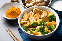 Geprüfte IN FORM-Rezepte, IN FORM, DGE, vegan, veganes Rezept, vegan kochen, vegane Ernährung, vegan essen, gesunde Ernährung, Ernährung, Gesundheit, Tofu, Brokkoli, Wok, Wokgemüse, veganes Wokgemüse, vegan und asiatisch, asiatisch kochen