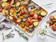 Geprüfte IN FORM-Rezepte, IN FORM, DGE, vegetarisch, vegetarisch kochen, vegetarisch essen, vegetarisches Essen, vegetarisches Rezept, vegetarische Küche, gesunde Ernährung, Ernährung, Gesundheit, Ofengemüse, Gemüse, Ofengericht, vegetarisches Mittagessen