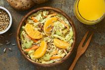 Geprüfte IN FORM-Rezepte, IN FORM, DGE, vegetarisch, vegetarisch kochen, vegetarisch essen, vegetarisches Essen, vegetarisches Rezept, vegetarische Küche, gesunde Ernährung, Ernährung, Gesundheit, Wirsing-Möhrensalat, Wirsing, Möhren, Möhrensalat, Salat