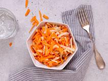 Geprüfte IN FORM-Rezepte, IN FORM, Blitzrezept, schnelles Rezept, einfaches Rezept, schnelle Zubereitung, schnell kochen, gesunde Ernährung, gesundes Essen, gesund essen, gesundes Rezept, Apfel-Möhren-Salat, Möhrensalat, Salat, Salatrezept, veganer Salat