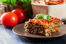 Geprüfte IN FORM-Rezepte, IN FORM, DGE, vegetarisch, vegetarisch kochen, vegetarisch essen, vegetarisches Essen, vegetarisches Rezept, vegetarische Küche, gesunde Ernährung, Ernährung, Gesundheit, Grünkohl-Lasagne, Grünkohl, Lasagne, vegetarische Lasagne
