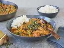 Geprüfte IN FORM-Rezepte, IN FORM, DGE, vegan, veganes Rezept, vegan kochen, vegane Ernährung, vegan essen, gesunde Ernährung, Ernährung, Gesundheit, Auberginen-Curry, veganes Curry, veganes Curry-Rezept, Curry-Rezept, veganes Mittagessen, Reis