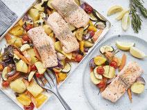 Geprüfte IN FORM-Rezepte, IN FORM, Blitzrezept, schnelles Rezept, einfaches Rezept, schnelle Zubereitung, schnell kochen, gesunde Ernährung, gesundes Essen, gesund essen, gesundes Rezept, Lachs, Gemüse, Fisch, Ofengericht, gesundes Mittagessen