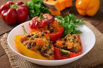 Geprüfte IN FORM-Rezepte, IN FORM, DGE, vegan, veganes Rezept, vegan kochen, vegane Ernährung, vegan essen, gesunde Ernährung, Ernährung, Gesundheit, gefüllte Paprika, vegan gefüllte Paprika, Reis, Paprika gefüllt mit Reis, veganes Mittagessen