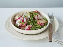 Geprüfte IN FORM-Rezepte, IN FORM, DGE, vegetarisch, vegetarisch kochen, vegetarisch essen, vegetarisches Essen, vegetarisches Rezept, vegetarische Küche, gesunde Ernährung, Ernährung, Gesundheit, Radieschensalat, Radieschen, Salat, Salatrezept