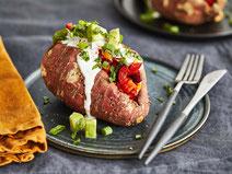Geprüfte IN FORM-Rezepte, IN FORM, DGE, vegetarisch, vegetarisch kochen, vegetarisch essen, vegetarisches Essen, vegetarisches Rezept, vegetarische Küche, gesunde Ernährung, Ernährung, Gesundheit, gefüllte Süßkartoffel, Süßkartoffel, mexikanische Küche
