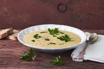 Geprüfte IN FORM-Rezepte, IN FORM, DGE, vegetarisch, vegetarisch kochen, vegetarisch essen, vegetarisches Essen, vegetarisches Rezept, vegetarische Küche, gesunde Ernährung, Ernährung, Gesundheit, Petersilienwurzel-Suppe, Suppenrezept, vegetarische Suppe