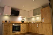 L- Küche Eiche und Weiß glänzend