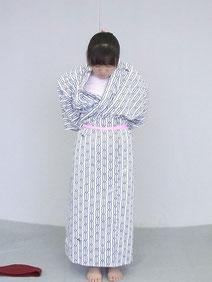 旅館浴衣の着方4