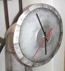Zeiteisen-Uhrwerk-Standuhr-Skulptuhr-Uhr-Kunstwerk-Skulptur von künstlerstein.de Mathias Rüffert