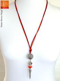 Halskette mit Kugelanhänger rot orange silber
