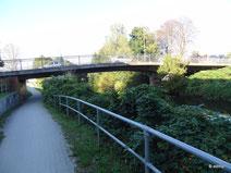 neue Brücke über die Ilmenau