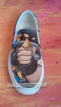 custome made painted shoes, Capcom Akuma