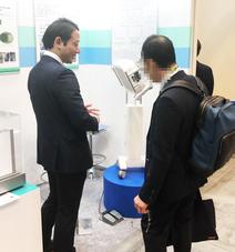 日本環境感染学会 展示応対風景