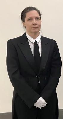 Manuela Ming als Butlerin