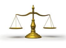 公正と平等を表す天秤