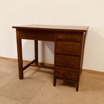 古材の天板の大きな作業テーブル