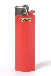 Le briquet à gaz BIC. Photo par Sun Ladder//Wikipedia
