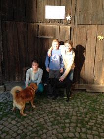 Darlene mit Pluto, David und Dominic mit Mocca