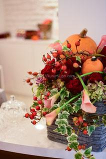 季節の花を使った生け込み