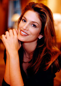 Cindy Crawford, Mercure conjonction Saturne, maisons IX/X.