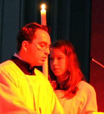Christoph Potowski liest das Evangelium