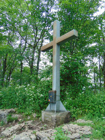 Hirschwaldstein Gipfelkreuz, Aufstieg von der Ruine Altpernstein